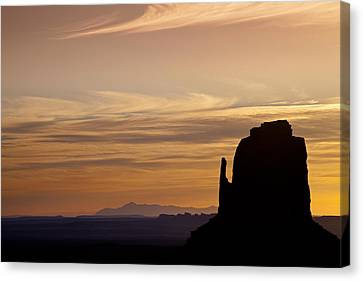 Dawn In The West Canvas Print by Andrew Soundarajan
