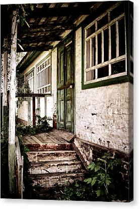 Deserted Not Forgotten Canvas Print by Julie Palencia