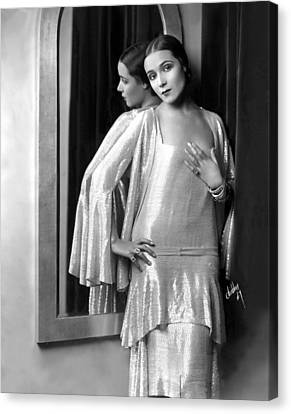 Dolores Del Rio, 1929 Canvas Print by Everett