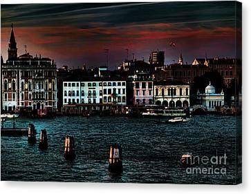 Dusk Venice Italy Canvas Print by Tom Prendergast