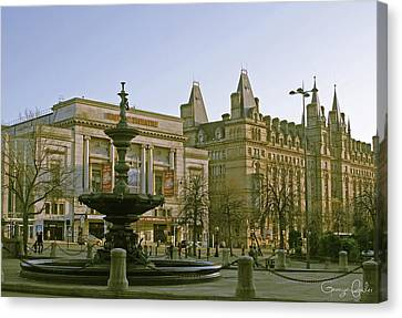 Empire Theater In Liverpool Canvas Print by Georgia Fowler