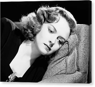 Eyes In The Night, Donna Reed, 1942 Canvas Print by Everett