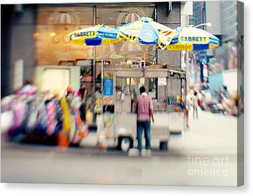 Food Vendor In New York City Canvas Print by Kim Fearheiley