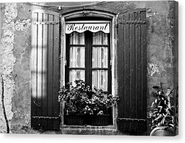 French Restaurant In Monpazier Canvas Print by Georgia Fowler