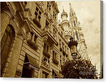 Grand Place Perspective Canvas Print by Carol Groenen