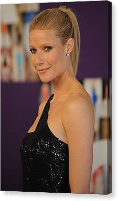 Gwyneth Paltrow At Arrivals For The Canvas Print by Everett