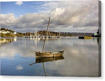 Harbour In Tarbert Scotland, Uk Canvas Print by John Short