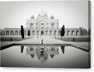 Humayun Tomb Canvas Print by Dhmig Photography