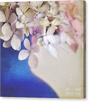 Hydrangeas In Deep Blue Vase Canvas Print by Lyn Randle