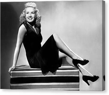 I Wake Up Screaming, Betty Grable, 1941 Canvas Print by Everett