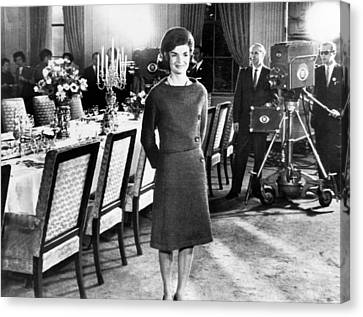 Jacqueline Kennedy, In The State Dining Canvas Print by Everett