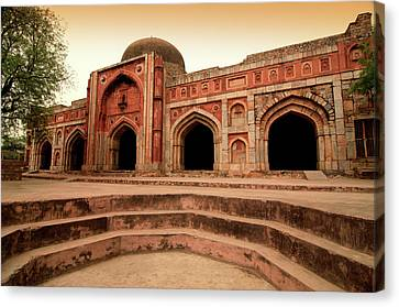 Jamali Kamali Mosque And Tomb Canvas Print by Poonamparihar.com