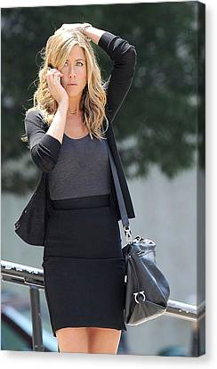 Jennifer Aniston On Location Canvas Print by Everett