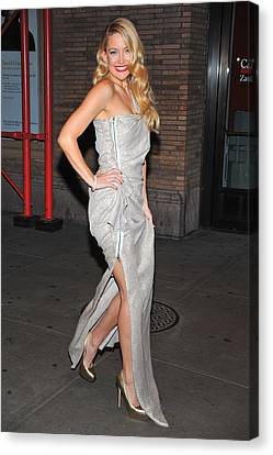 Kate Hudson Wearing Lanvin Gown Canvas Print by Everett