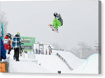 Kelly Clark Womens U S Snow Boarding Open 2011 Canvas Print by Linda Pulvermacher