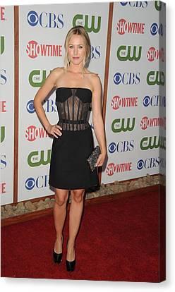 Kristen Bell Wearing A Versus Dress Canvas Print by Everett