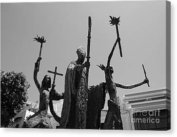 La Rogativa Statue Old San Juan Puerto Rico Black And White Canvas Print by Shawn O'Brien