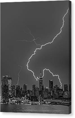 Lightning Bolts Over New York City Bw Canvas Print by Susan Candelario