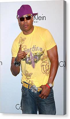 Ll Cool J At Arrivals For The Calvin Canvas Print by Everett