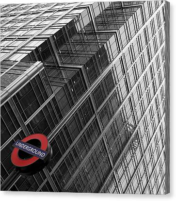 London Underground Canvas Print by Nina Papiorek