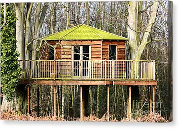 Luxury Tree House In The Woods Canvas Print by Simon Bratt Photography LRPS