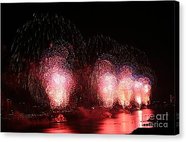 Macy's Fireworks On The Hudson Canvas Print by Living Color Photography Lorraine Lynch