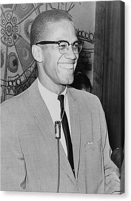 Malcolm X 1925-1965 Speaking In 1964 Canvas Print by Everett