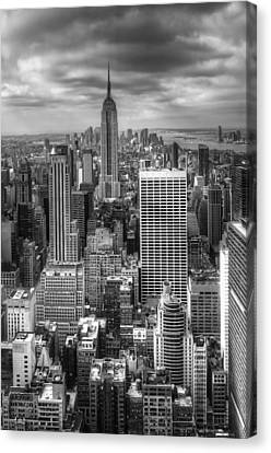 Manhattan01 Canvas Print by Svetlana Sewell