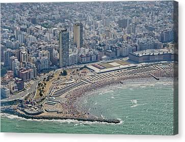 Mar Del Plata Beach Canvas Print by Agustín Faggiano - Fotografía