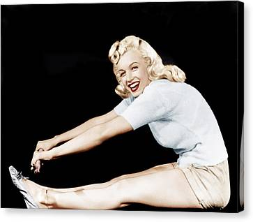 Model And Columbia Starlet Marilyn Canvas Print by Everett
