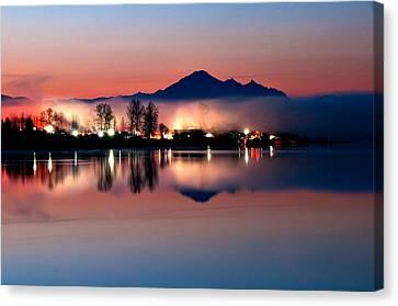 Morning Light And Fog Canvas Print by Detlef Klahm