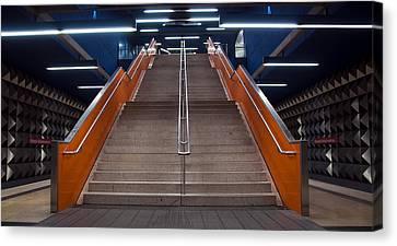 Munich Subway No.4 Canvas Print by Wyn Blight-Clark