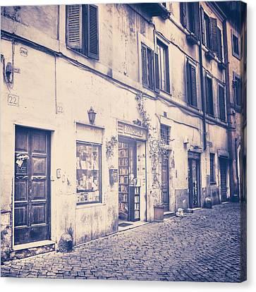 narrow street in Rome Canvas Print by Joana Kruse