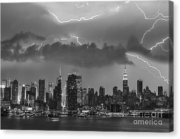 Nyc All Charged Up Bw Canvas Print by Susan Candelario