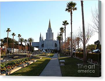 Oakland California Temple . The Church Of Jesus Christ Of Latter-day Saints . 7d11371 Canvas Print by Wingsdomain Art and Photography
