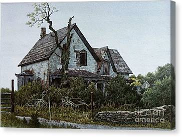Old Farmhouse Picton Canvas Print by Robert Hinves