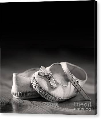Old Shoes Canvas Print by Jane Rix