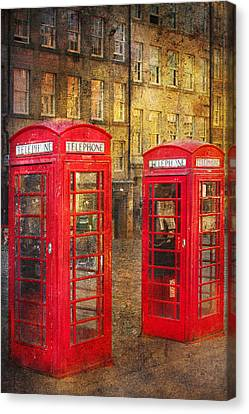On The Streets Of Edinburgh  Canvas Print by Svetlana Sewell