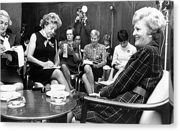 Pat Nixon In A Press Conference Canvas Print by Everett