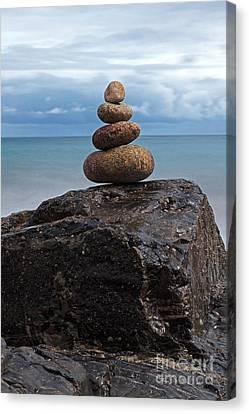 Pebble Sculpture Canvas Print by Richard Thomas