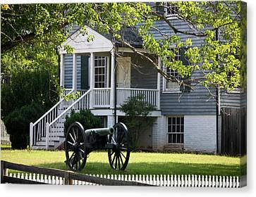 Peers House And Cannon Appomattox Court House Virginia Canvas Print by Teresa Mucha