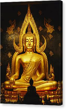 Phra Phuttha Chinnarat Buddha Canvas Print by Martin Gray