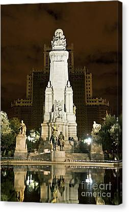 Plaza De Espana Madrid Spain Canvas Print by John Greim