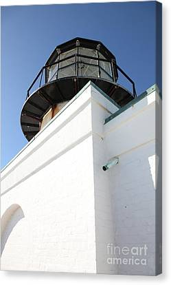 Point Bonita Lighthouse In The Marin Headlands - 5d19682 Canvas Print by Wingsdomain Art and Photography