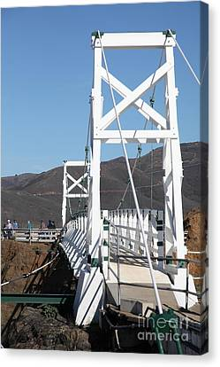 Point Bonita Lighthouse In The Marin Headlands - 5d19684 Canvas Print by Wingsdomain Art and Photography
