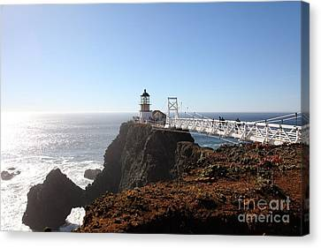 Point Bonita Lighthouse In The Marin Headlands - 5d19700 Canvas Print by Wingsdomain Art and Photography