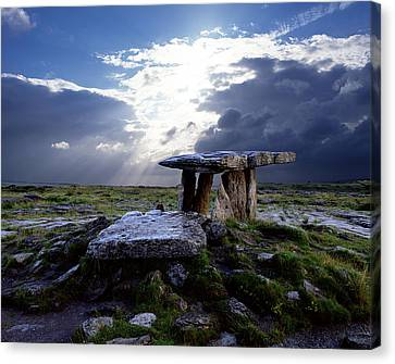 Poulnabrone Dolmen, County Clare Canvas Print by Chris Hill