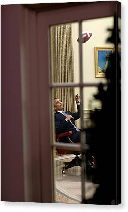 President Barack Obama Plays Canvas Print by Everett