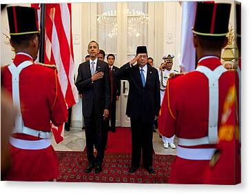 President Obama And Indonesias Canvas Print by Everett