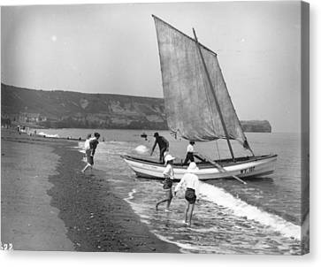 Pulling Into Shore Canvas Print by Hulton Collection